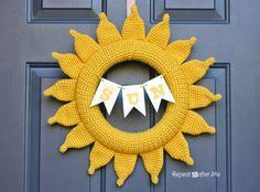 Crochet Summer Sun Wreath