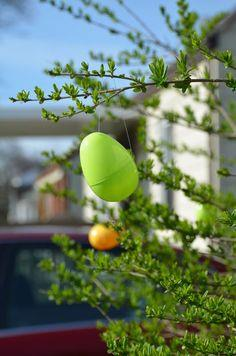 Easy Easter Outdoor Decor