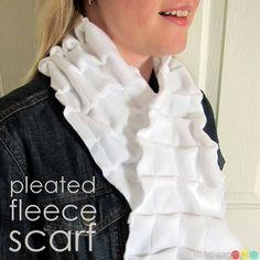 pleated fleece scarf Tutorial