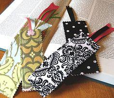SCRAP SAVVY BOOKMARK
