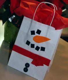 Super Simple Snowman Gift Bag