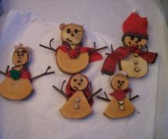 Decorative Wooden Snowman Family