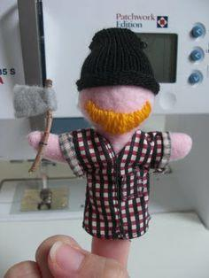 Finger Puppets: The Woodsman