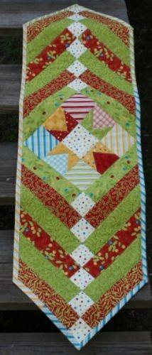 Holly Jolly Funtabulous Star Quick Table Runner