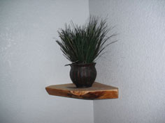 Natural pine corner shelf